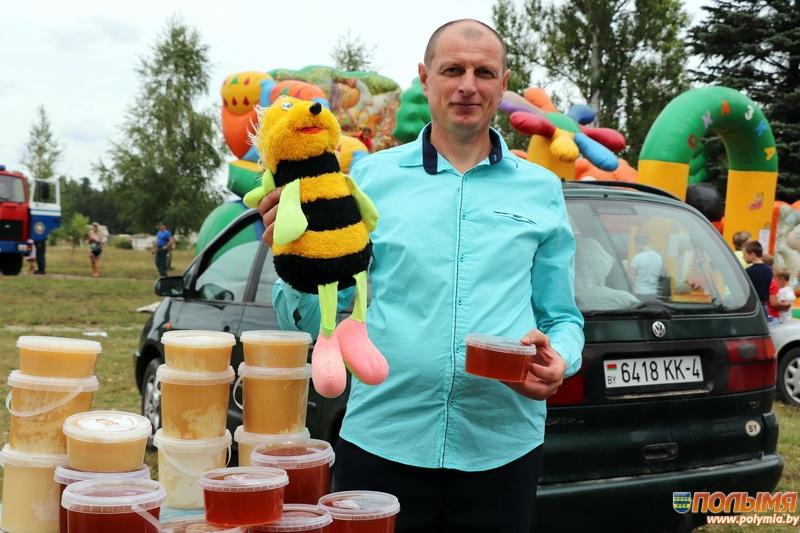 В агрогородке Цирин прошел самый сладкий фестиваль этого лета