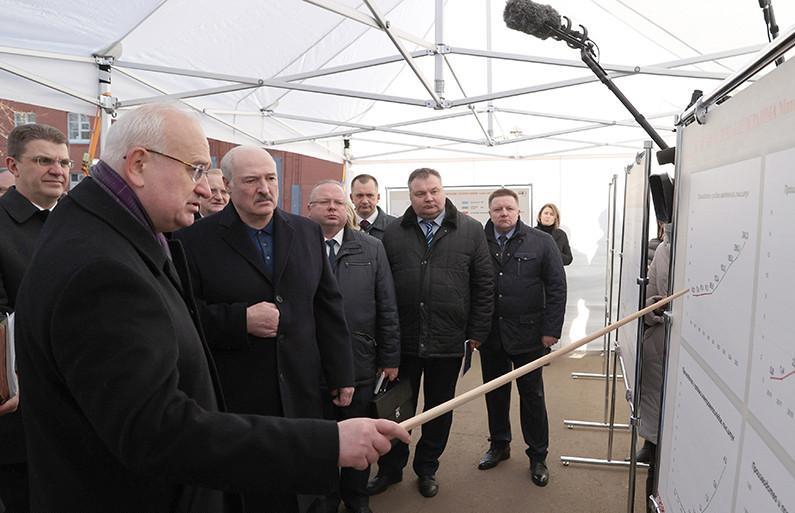 Александр Лукашенко: к концу пятилетки мотовелозавод должен стать образцовым производством