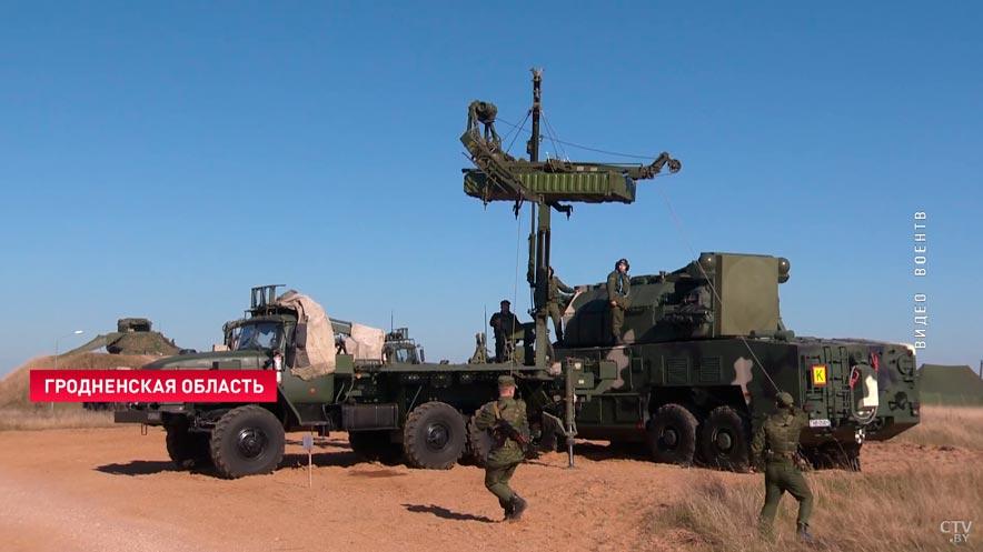 Акцент на борьбу с беспилотниками и отражение ракетного удара. Под Островцом завершился полевой выход зенитного полка