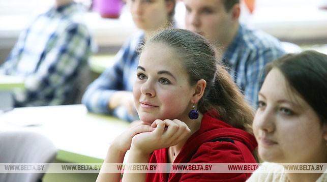 Вузы Беларуси завершают прием документов от абитуриентов на бюджетные места