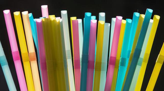 Европарламент вводит запрет на изделия из пластмассы к 2021 году