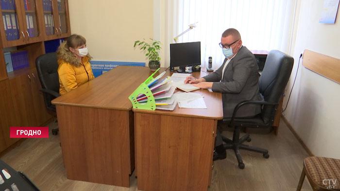 Молодая мама предложила сохранять стаж на время декрета. С какими вопросами белорусы обращаются в общественные приемные?