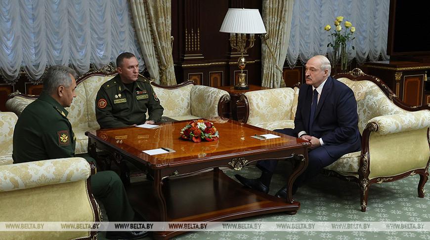 """""""Свои интересы мы должны блюсти"""" - Александр Лукашенко предложил России подумать над новыми военными учениями"""