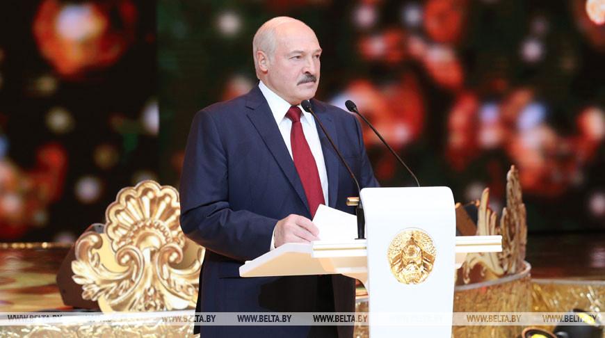 Александр Лукашенко: белорусскому народу под силу преодолеть все трудности