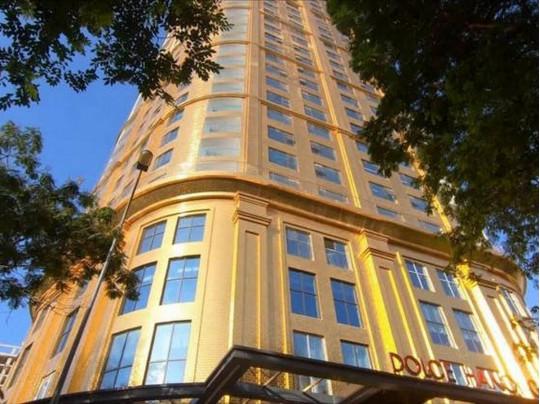 Во Вьетнаме открыли первый в мире отель, покрытый золотом внутри и снаружи