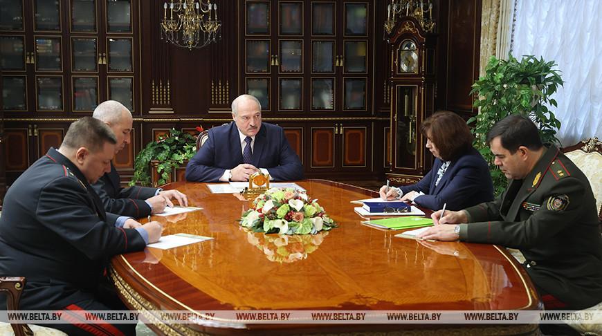 Александр Лукашенко поставил перед новыми помощниками в регионах задачу по обеспечению общественной безопасности