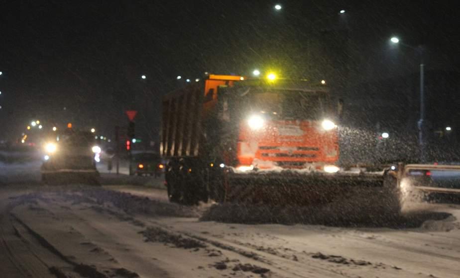 М6: непогода потребовала обновления снегоуборочной техники и перегруппировки ее на проблемные участки