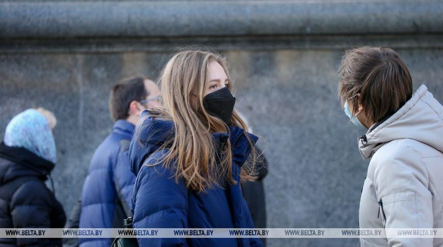 В Гродненской области в сутки выпускается более 120 тыс. защитных масок и повязок