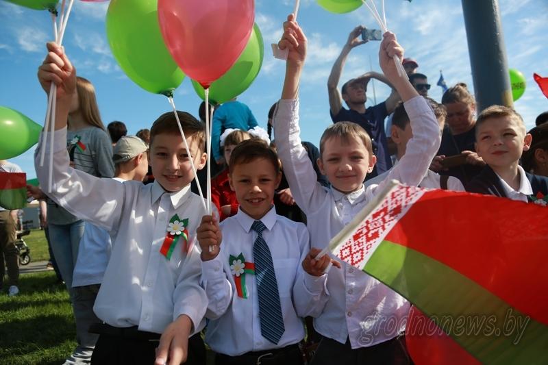 Парад военной техники, «Пробег Победы» и салют. Программа празднования Дня Победы в Гродно