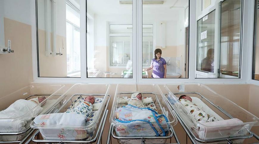 Переболевшие COVID-19 женщины могут передавать детям антитела с грудным молоком - российский эксперт