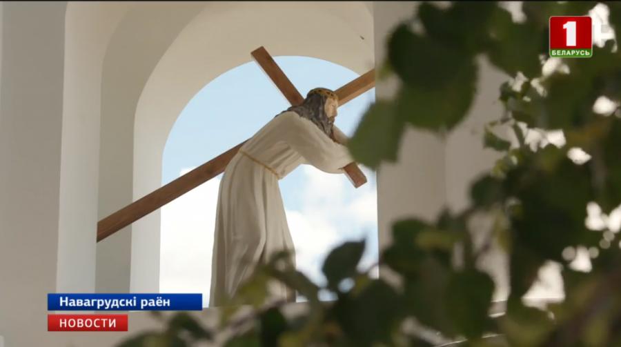 Скульптор из Лиды восстановил 500-килограммовую фигуру Христа из часовни поместья Чембров, что в Новогрудском районе
