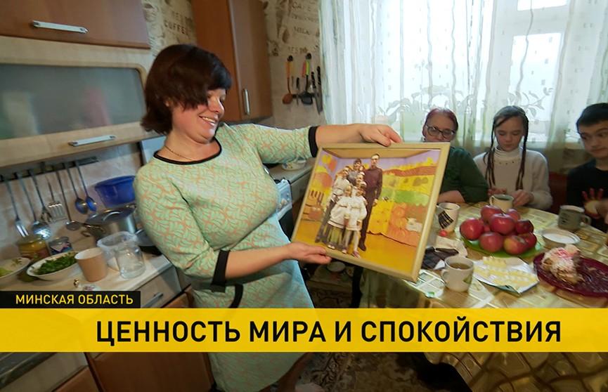 «Война нам не дала дальше жить»: семьи переселенцев из Украины рассказали о жизни в Беларуси (+видео)