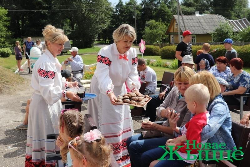 Ароматный праздник меда «Медовый вальс» прошел на Новогрудчине