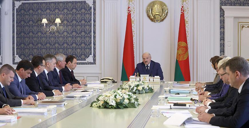 От ядерной безопасности до наращивания экспорта - Александр Лукашенко собрал совещание с руководством Совмина