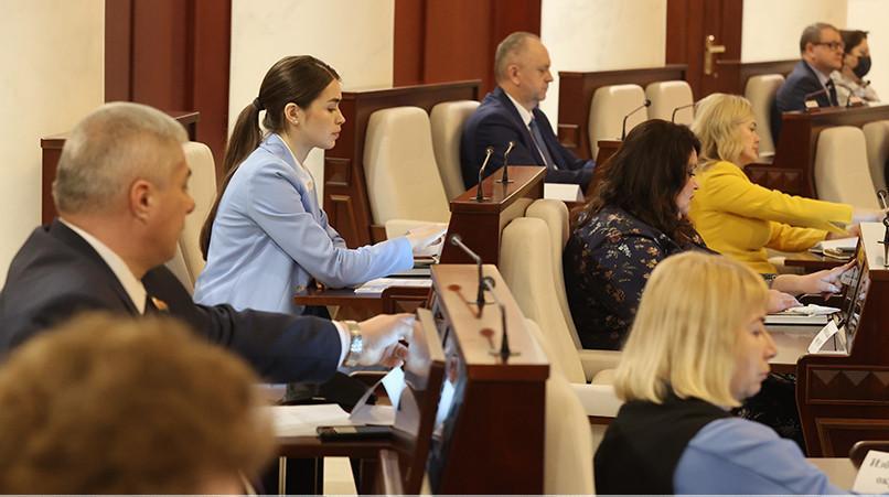 Депутаты приняли в первом чтении законопроект о массовых мероприятиях в Беларуси