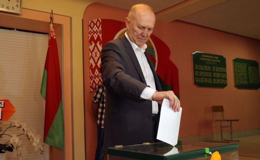Владимир Кравцов: «Отдал голос за стабильную и развивающуюся страну, за мир и спокойствие на белорусской земле»