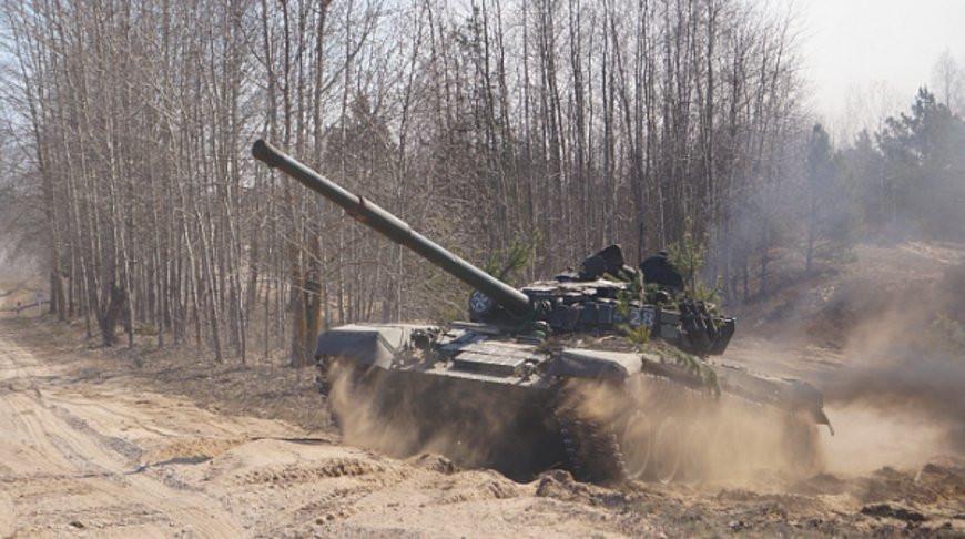 Учение с двумя механизированными бригадами проходит в Гродненском районе