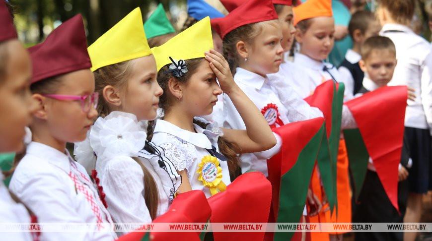 """""""Здесь воспитываются патриоты страны"""" - Александр Лукашенко поздравил с 30-летием пионерскую организацию"""