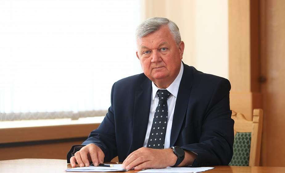 Субботнюю прямую линию провел первый заместитель председателя облисполкома Иван Жук