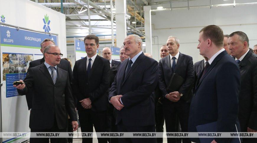 Об экономике, строительстве, коронавирусе и поддержке людей — о чем говорил Александр Лукашенко на «Белгипсе»