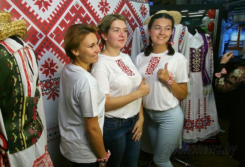 Фотомастерская, куклы-обереги и игровые площадки. Что представит делегация Гродненщины на праздновании Дня вышиванки в Минске?