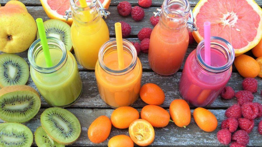 Содержит витамины и богат клетчаткой. Специалист по здоровому образу жизни — о пользе смузи