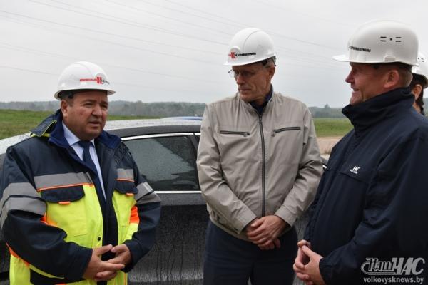 Министр природных ресурсов и охраны окружающей среды Республики Беларусь Андрей Худык побывал сегодня в ОАО «Красносельскстройматериалы»