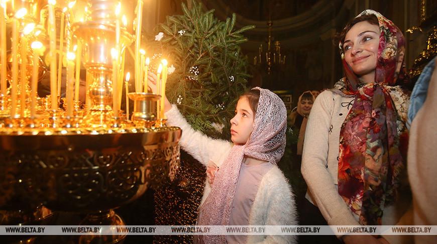 Александр Лукашенко: светлые рождественские дни объединяют нас и делают сильнее перед лицом любых испытаний