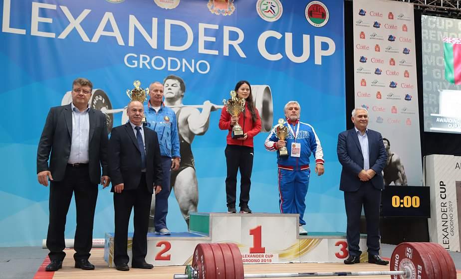 Белорусские тяжелоатлеты завоевали восемь медалей на турнире олимпийской квалификации в Гродно
