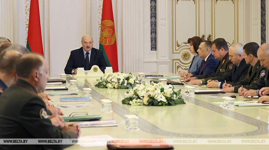 Александр Лукашенко собрал совещание по обеспечению безопасности избирательной кампании (обновляется)