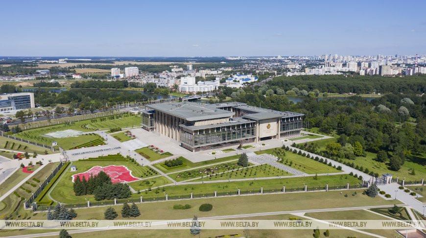 Итоги недели с Президентом. Зачем меняют Налоговый кодекс, чем угощали Александра Лукашенко в Толочине и что происходит в ОДКБ