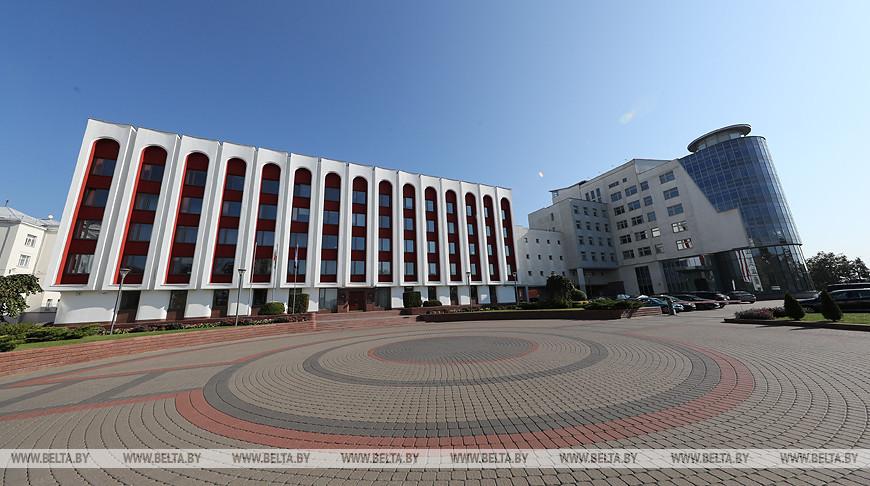 МИД: два белоруса попросили дипломатов помочь им уехать из провинции Хубэй