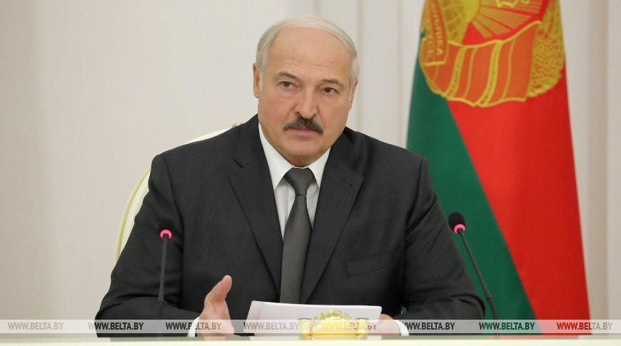 Тема недели: О правах работников, надзоре за техникой и вторсырье — Александр Лукашенко провел совещание с руководством Совмина