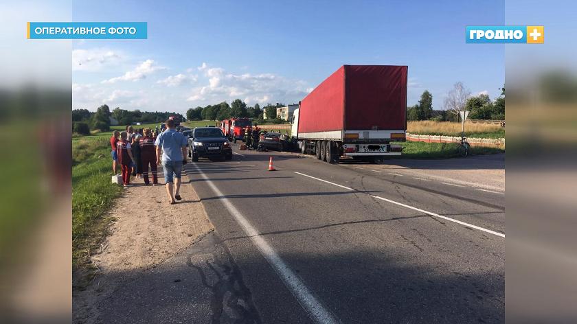 Под колесами авто. За выходные в Гродненской области произошло 8 аварий (+видео)