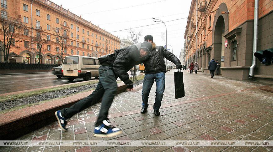 В Беларуси с 28 ноября гололедные травмы получили 408 человек