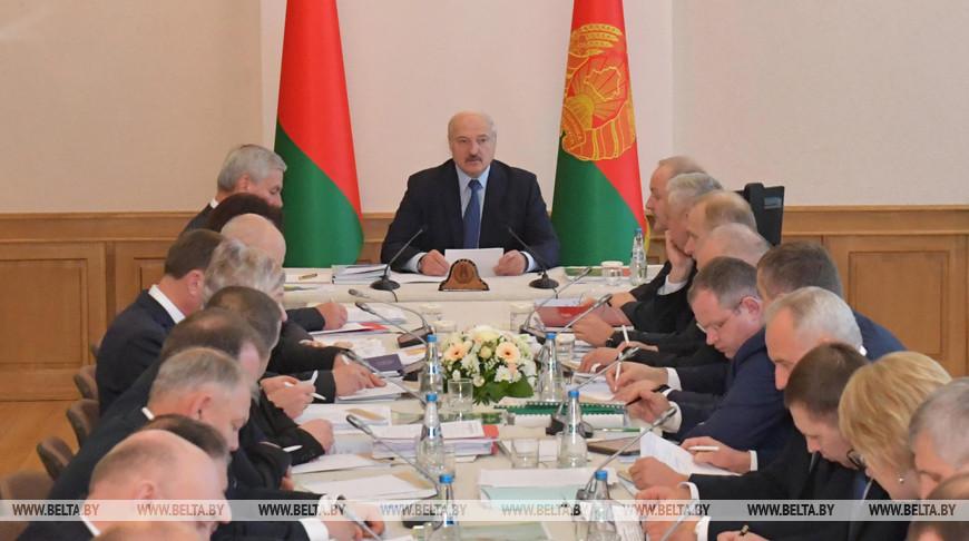 Тема недели: Александр Лукашенко провел совещание по развитию АПК Витебской области