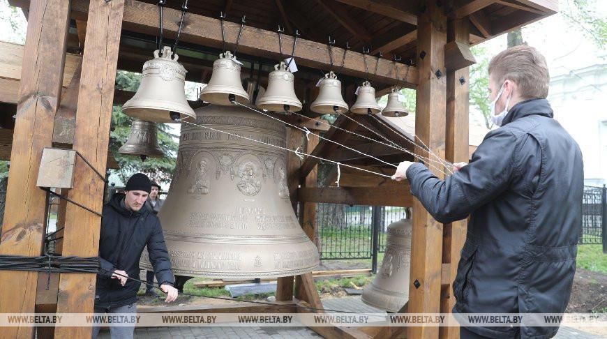 В Жировичский монастырь к юбилею доставили 12 отлитых в России колоколов