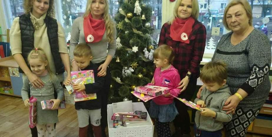 Более 1000 жителей региона получили помощь в рамках акции «Елка желаний»