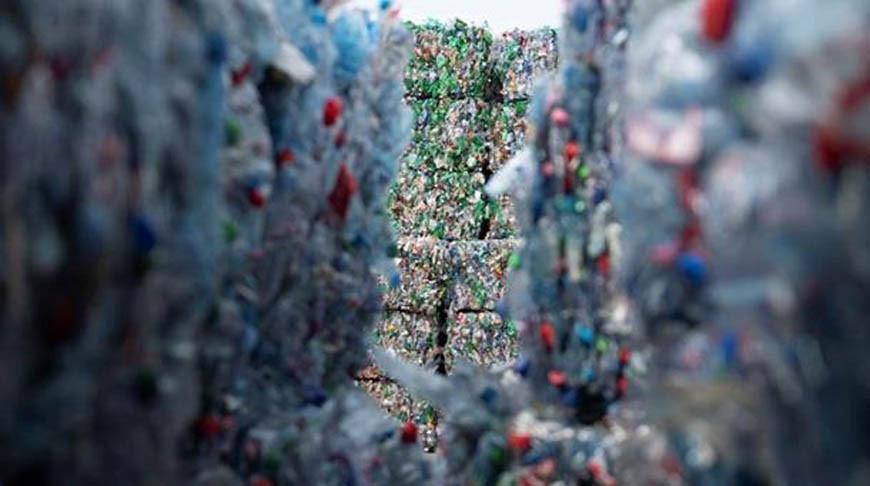 Ученые запатентовали устройство, способное превратить пластик в битум или бензин