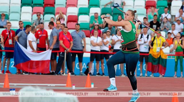 Александр Лукашенко поздравил легкоатлетку Татьяну Холодович с золотой медалью II Европейских игр