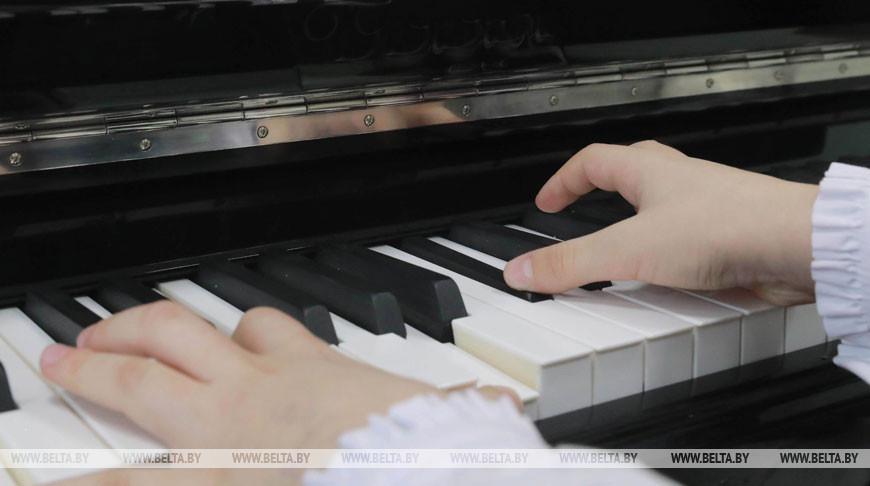 В Беларуси увеличат закупку музыкальных инструментов для школ