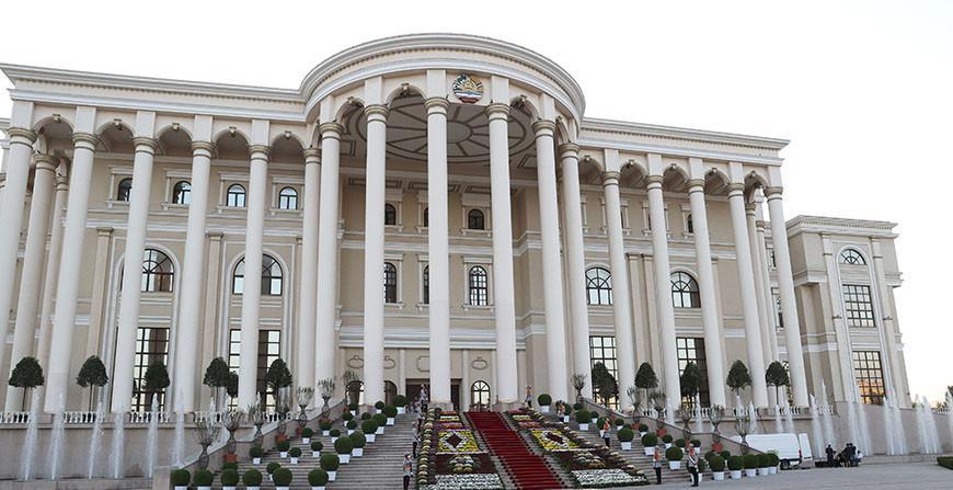 Александр Лукашенко принимает участие в саммите ОДКБ. Что обсуждают главы государств в Душанбе?