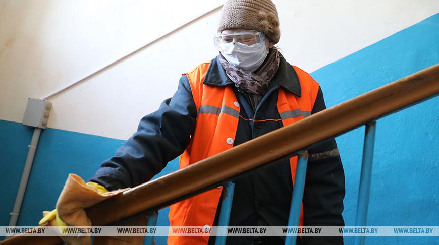 В Беларуси установили периодичность работ по уборке подъездов
