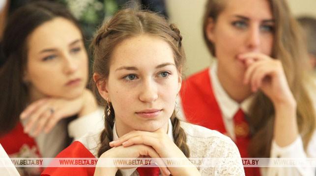 Последний звонок прозвенит для 6 тыс. одиннадцатиклассников Гродненской области