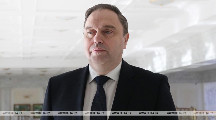 Ограничение массовых мероприятий и доплаты медработникам — Владимир Караник рассказал о новых мерах в связи с коронавирусом
