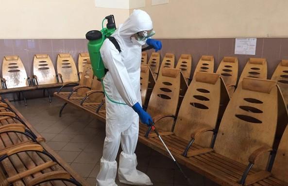 Детские сады и школы из-за коронавируса закрывают в Польше и Украине