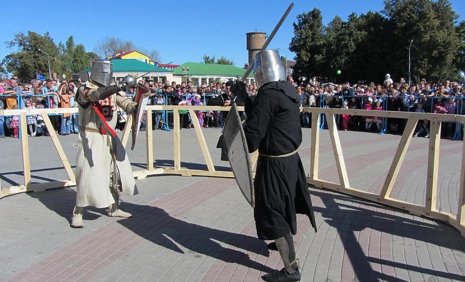 Бугурты, алебардисты и венчание короля. Фестиваль исторической реконструкции пройдет в Новогрудке