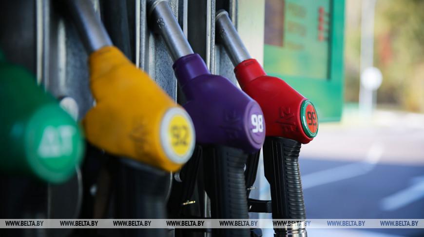 Топливо на АЗС в Беларуси с 22 декабря дорожает на 1 копейку
