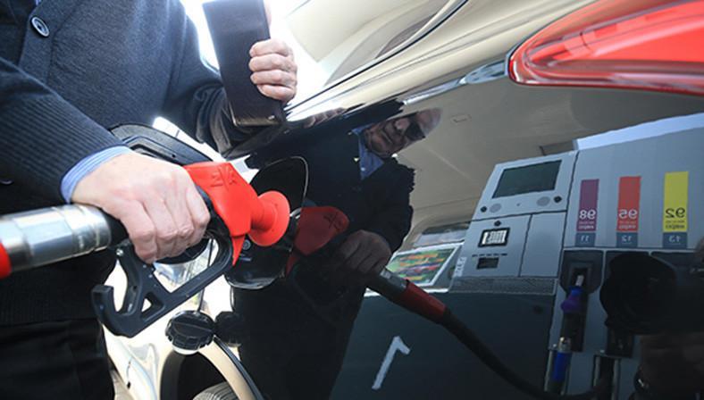 Автомобильное топливо в Беларуси с 2 марта подорожало на 1 копейку