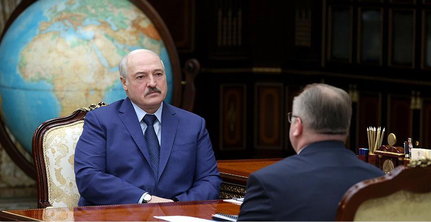 Тема недели: Контроль за ценами и зарплаты в конвертах - Александр  Лукашенко принял с докладом главу КГК
